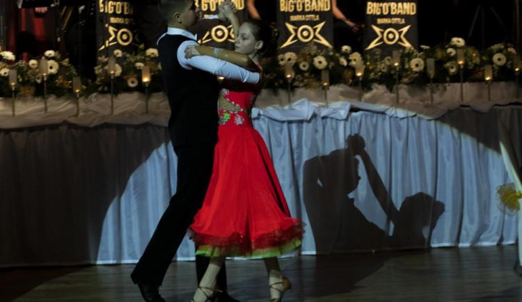 Česká Lípa vybrala na plese přes sto tisíc, peníze věnuje potřebným