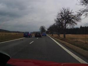 Policisté stále hledají svědky vážné nehody, od které řidič černé Škodovky ujel