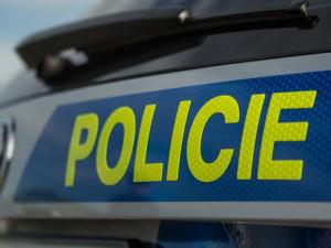 Honička za polským motorkářem skončila nehodou, motocyklista dostal smyk