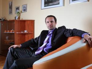Kauza s exředitelem liberecké nemocnice, Luďkem Nečesaným, by měla skončit v květnu