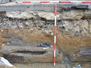 Archeologové v Jablonném objevili osm set let staré pozůstatky domů