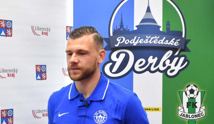 PĚT OTÁZEK PRO: Musíme šlapat jeden za druhého, říká kapitán Slovanu Radim Breite