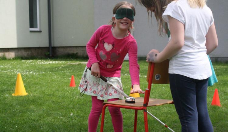 Jak složité je žít se zrakovým postižením? To si vyzkouší žáci liberecké základky