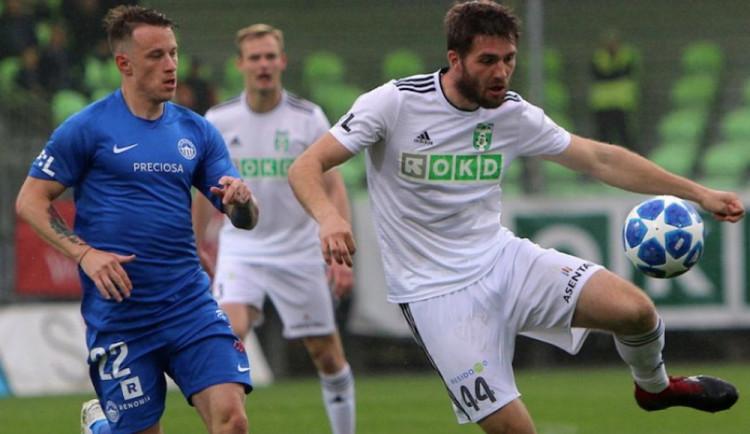 Slovan utkání v Karviné nezvládl, přesto si zahraje ve skupině o titul
