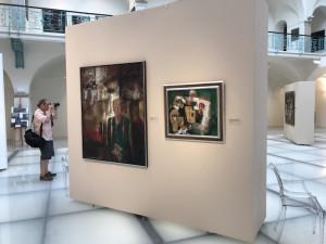Galerie připravila velkou výstavu Josefa Jíry, lidé si mohou k prohlížení obrazů sednout