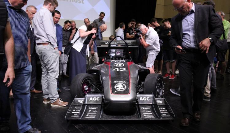 Studenti liberecké univerzity postavili třetí závodní formuli