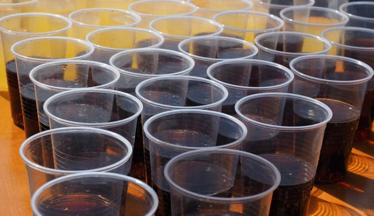 Isotonické nápoje – minerály či ionty, nebo spíš cukr a chemie?