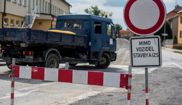 Chrastaváci by se měli ve Vítkovské ulici dočkat chodníků a dokonce i kanalizace