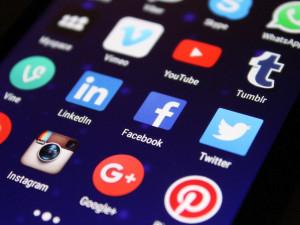 Facebook, Instagram a WhatsApp mají dnes po celém světě výpadek. Nefunguje hlavně nahrávání obrázků
