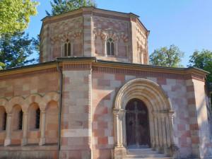 Tip na výlet: Navštivte neznámou Harrachovskou hrobku v Horní Branné