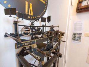 V nově otevřeném Severočeském muzeu uvítají návštěvníky původní hodiny z věže