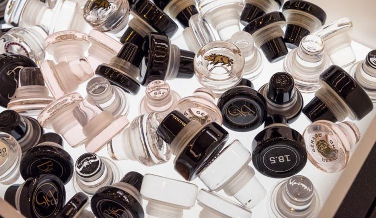 Preciosa prodala polovinu své firmy na výrobu skleněných zátek Vinolok