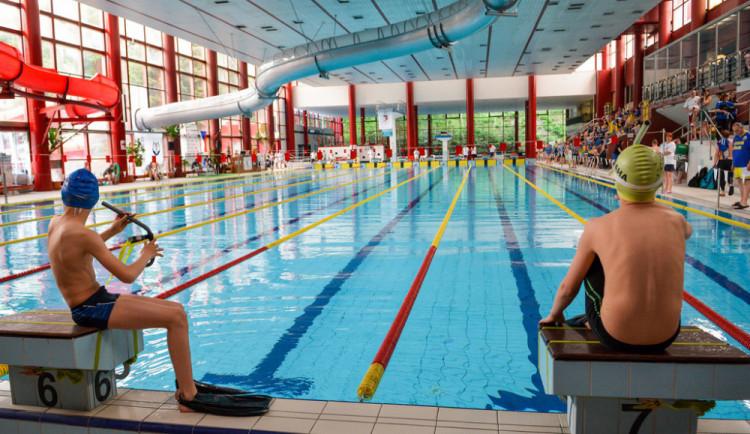 LOL chce, aby radnice opravovala bazén postupně. Údajně město nemá dostatek peněz