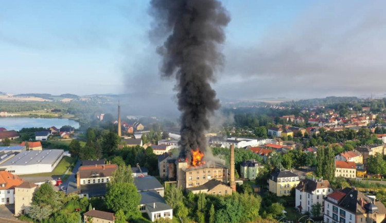 FOTO: Velký požár v Žitavě. Pomáhali i hasiči z Hrádku