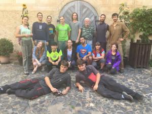 Na Grabštejn se vrací dobrovolníci. Čeká je práce na zahradách a svazích okolo hradu