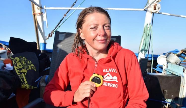 Liberecká plavkyně Pechová přeplavala kanál La Manche. Jako první handicapovaná žena na světě