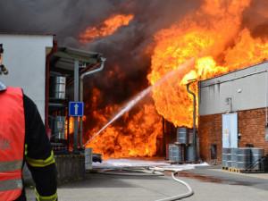 Bývalému zaměstnanci Severochemy hrozí za požár osm let vězení. Soud začne příští pátek