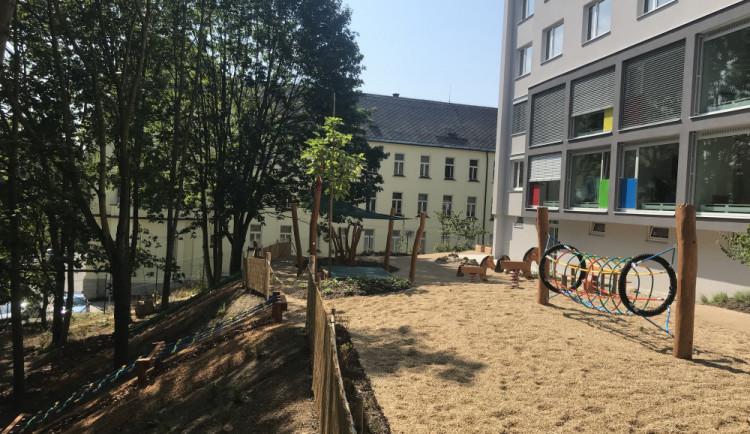 FOTO: Nemocnice otevírá školku pro děti zaměstnanců. Vymyká se provozní dobou