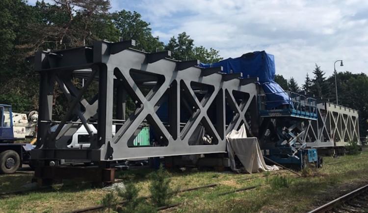 Renovace železničního mostu u Zahrádek přijde na 50 milionů korun