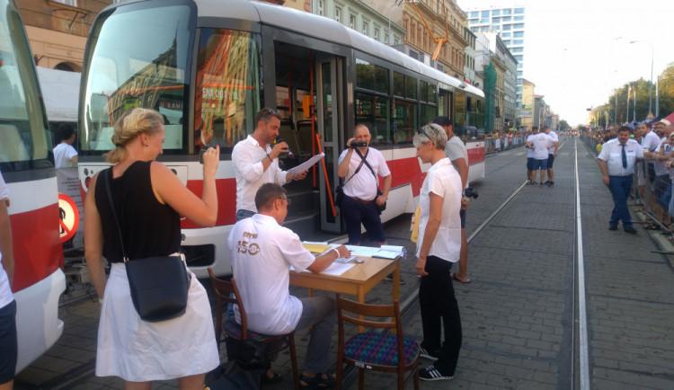 Liberečtí tramvajáci zabodovali na mezinárodní soutěži v jízdě zručnosti v tramvaji, kterou v praxi viděli poprvé