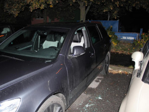 Policie zadržela muže podezřelé z krádeží rádií z octavií. Vykradli sedmadvacet aut