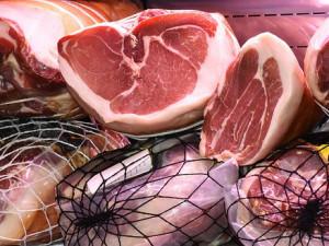 Kvalitní uzené maso nepotřebuje umělá vylepšení