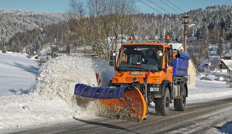 Silničáři v Libereckém kraji budou v zimě nově solit přes osmdesát kilometrů silnic