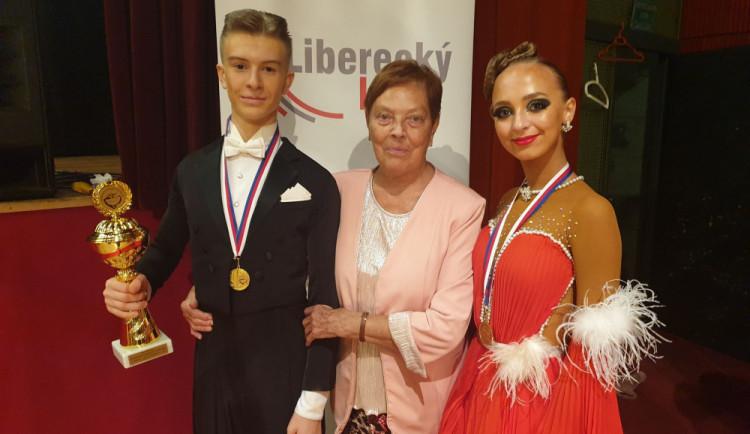 Na celodenní taneční maraton dorazilo skoro dvě stě párů z celého Česka. Uspěli i domácí Koškovi