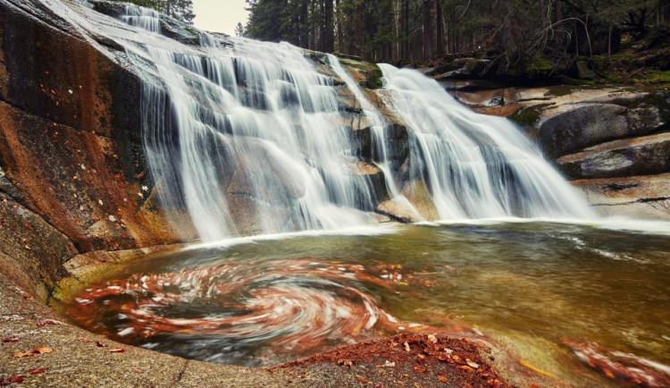 TIP NA VÍKEND: Krkonošské vodopády v podzimním hávu