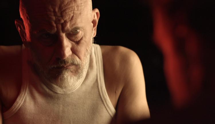 VIDEO: Nový videoklip skupiny Jarret ke skladbě Světlo je plné hříchů