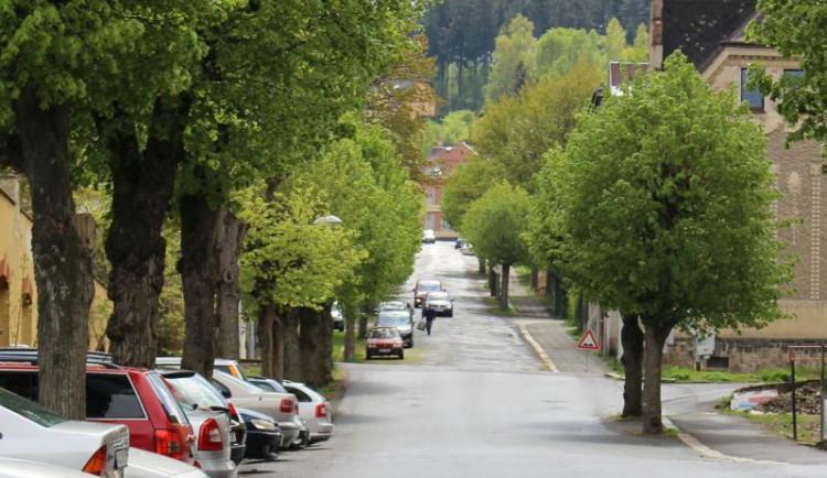 Uzavírka jablonecké ulice V Aleji nakonec potrvá až do konce roku