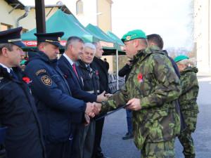 Oddanost, nasazení vlastního života i dlouhodobá spolupráce. Včera byli oceněni hasiči za své zásluhy
