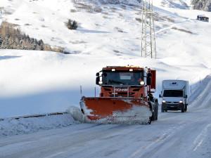 Liberecký kraj zahalil sníh. Nejvíce je ho v Krkonoších. Zatím nejsou na silnicích žádné komplikace