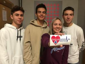 Čtveřice studentů zachránila život zraněnému muži, dnes jim záchranáři poděkovali