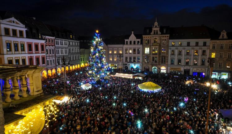 VÍKEND PODLE DRBNY: Rozsvícení stromu, kabelky nebo hand made market