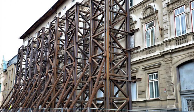 Liberecký kraj znovu řeší co s poškozenou školou v Jablonci