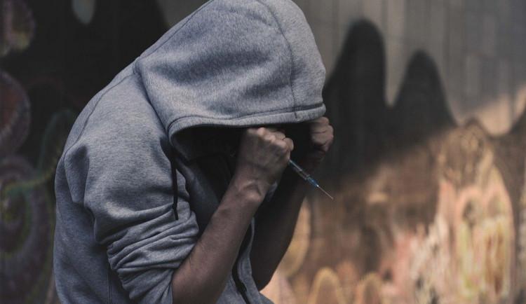 Závislost na drogách i mobilu. Liberecká Advaita má speciální program pro děti
