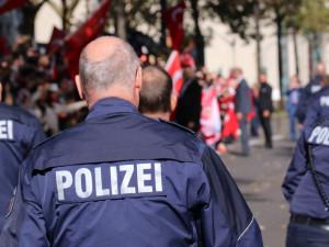 Zloději prý z drážďanské klenotnice vzali šperky za miliardu eur