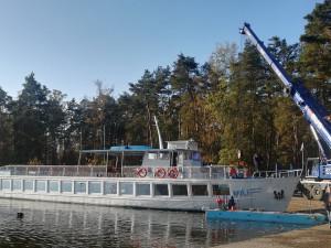 Na Máchovo jezero se vrátil Máj, čekají ho adventní plavby