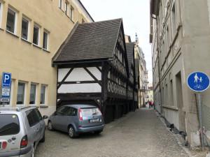 Nejnutnější oprava Valdštejnských domků je u konce. Budou v nich kabinety i muzeum pomůcek