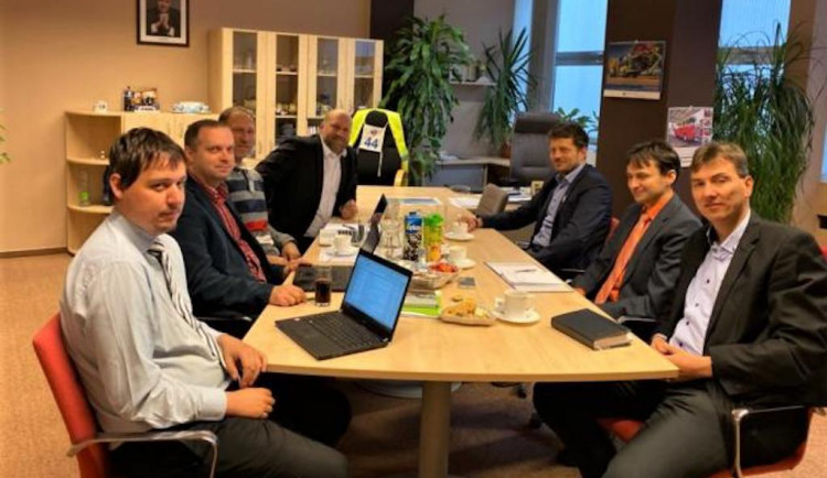 Resorty dopravy Libereckého a Ústeckého kraje jednaly na železniční témata