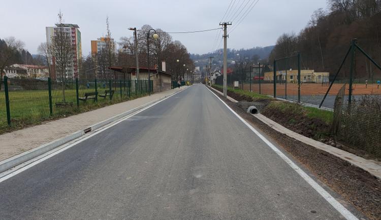Ulice Obránců míru v Železném Brodě prošla rekonstrukcí za téměř 28 milionů korun