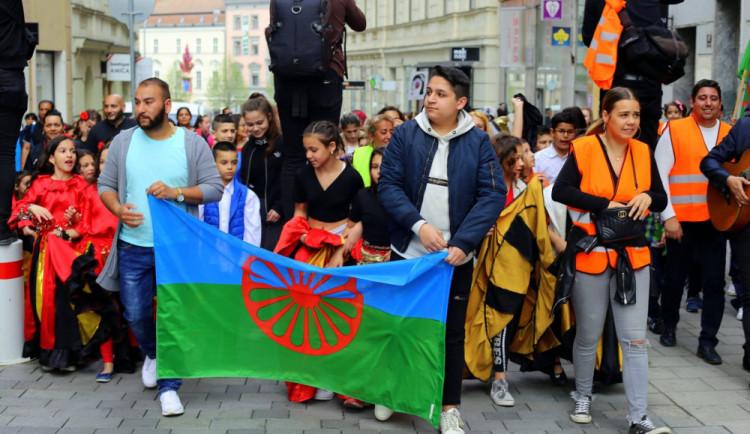 STUDIE: Ve školách přetrvává oddělování slabých, Romové často vadí