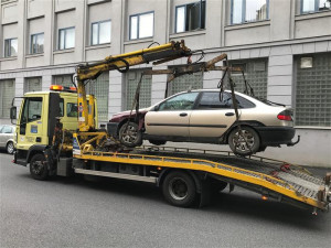 Osobní válka místostarosty České Lípy. Z města už zmizelo asi dvacet vraků aut