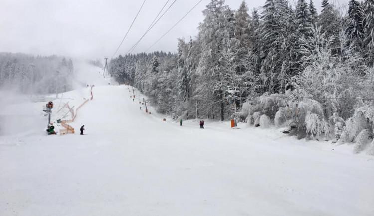 Začátek zimní sezóny v Libereckém kraji? Věštění z křišťálové koule