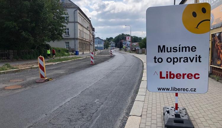 Jak zkrátit délku uzavírek libereckých ulic? Město chce silnice stavbařům pronajímat