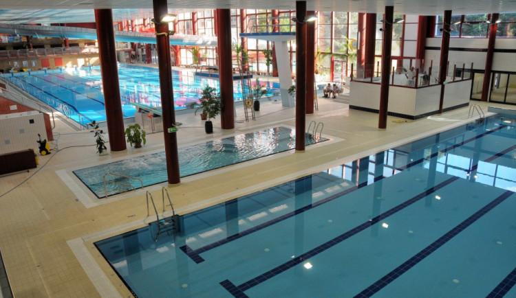 Hledá se nový provozovatel bazénu. Ještědská sportovní po letech končí