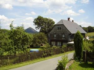 TIP NA VÝLET: Zapomenutá sklářská obec Polevsko je plná památek