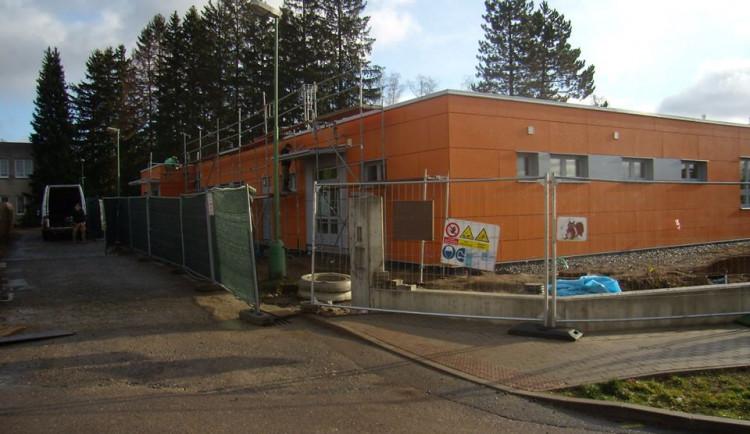 Výstavba nové školky v Jablonci finišuje. Mimořádný zápis proběhne v úterý