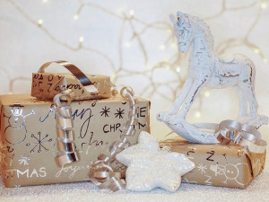 Každoroční vánoční téma. Co s nevhodným dárkem?